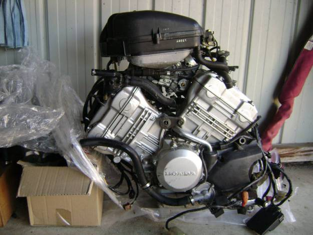 HOT : Honda Siap siap dengan Mesin 250cc Liquid-cooled DOHC 90°V-twin