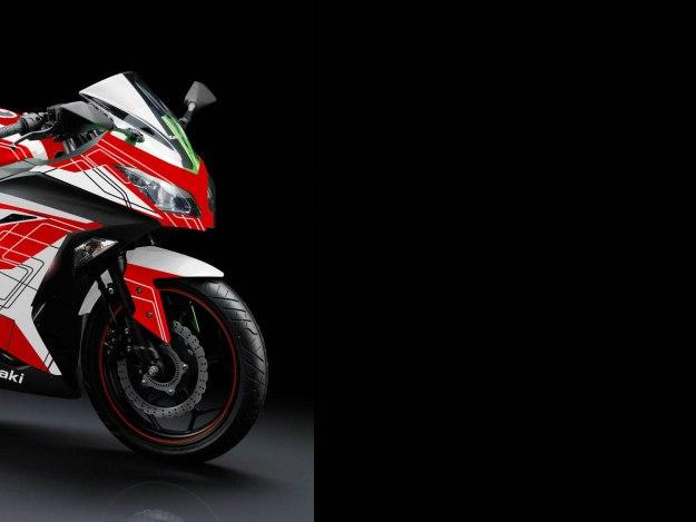 3 - NINJA WHITE - -motoblast2b
