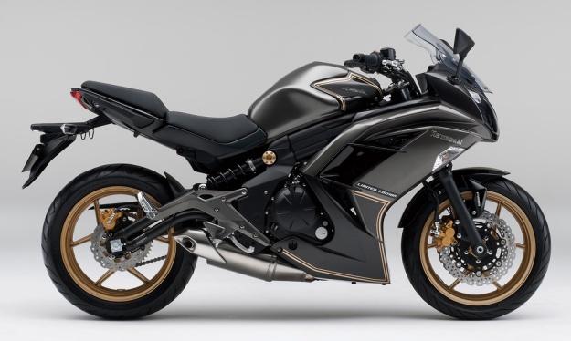 2015-Kawasaki-Ninja-400-LimitedEdition-001